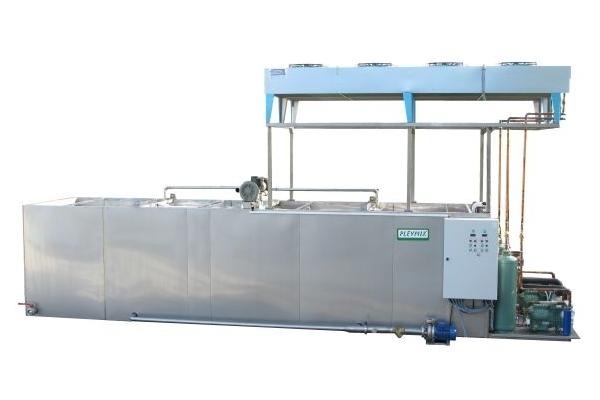 Ice water equipment